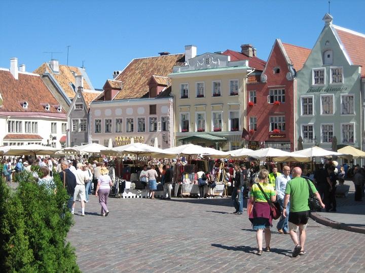 estonia-tallinn-marketplace