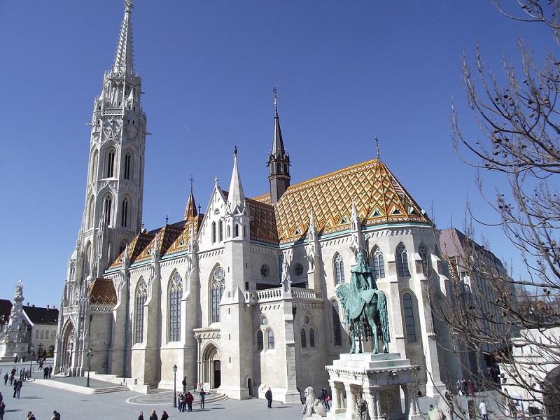 hungary-budapest-church