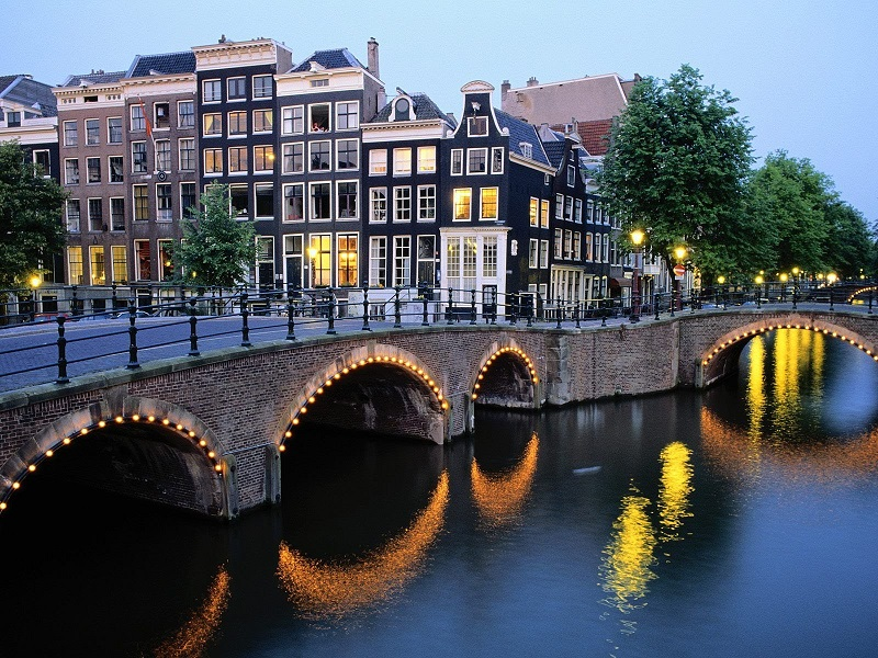 Picture of one of the canals in Netherlands