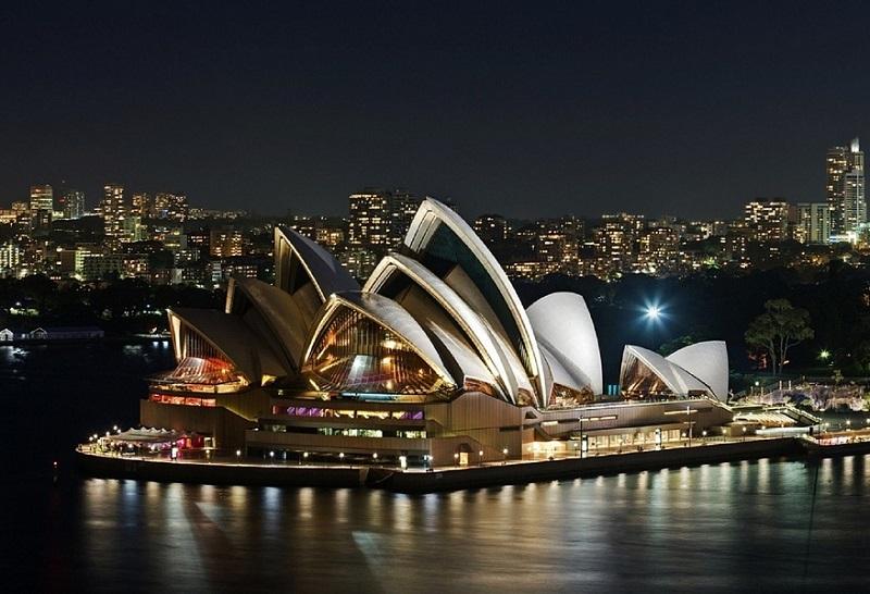 australia-sydney-opera-night