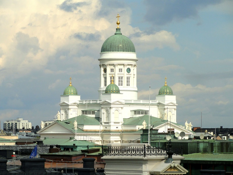 Front view of Helsinki Cathedral