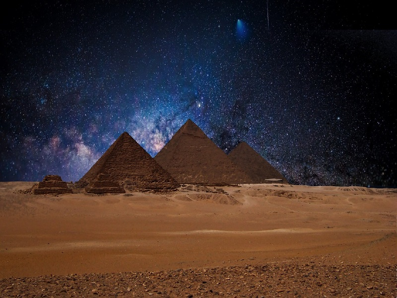 Photo of Egypt's Pyramids in the night