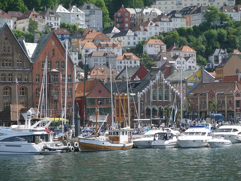 Image of Bergen in the summer