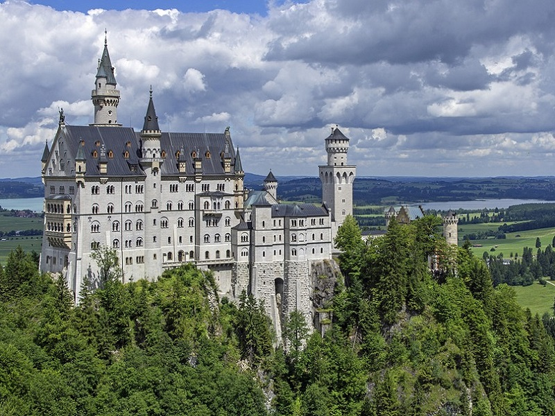 Image of Neuschwanstein Castle.
