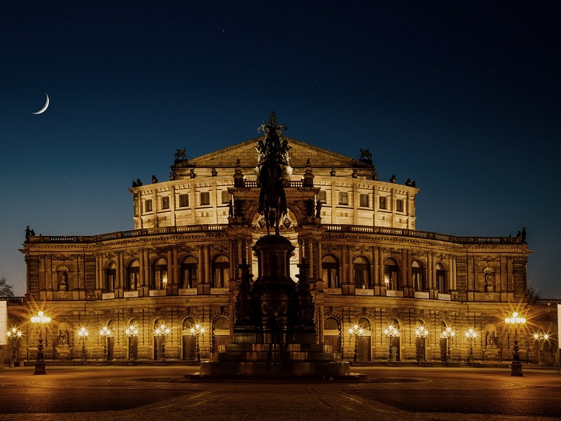 Front view of the Semper Opera House in Dresden, Germany.