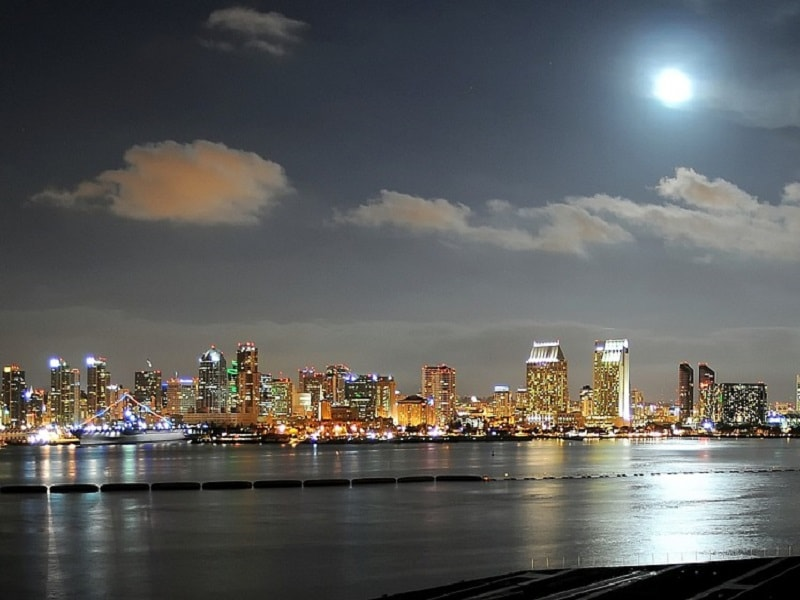 A picture of San Diego taken on a clean night.