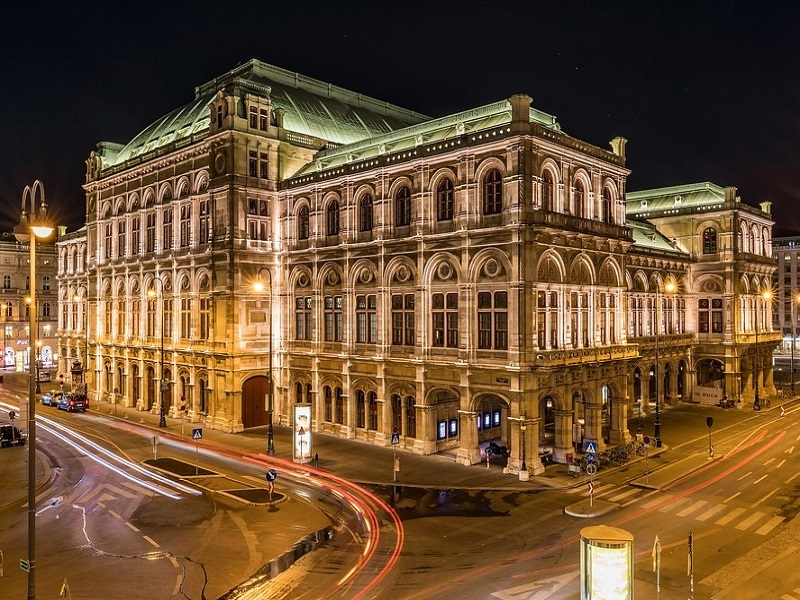 Want to visit one of the best opera houses? Here's one of them - the Vienna opera